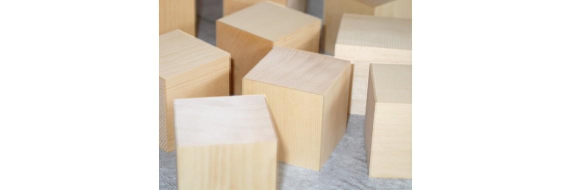Würfel aus Zirbelholz